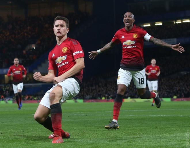 Cham diem Chelsea 0-2 Man Utd: Pogba khong phai hay nhat hinh anh 6