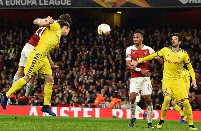 Cap trung ve toa sang dua Arsenal vao vong 1/8 Europa League hinh anh 2