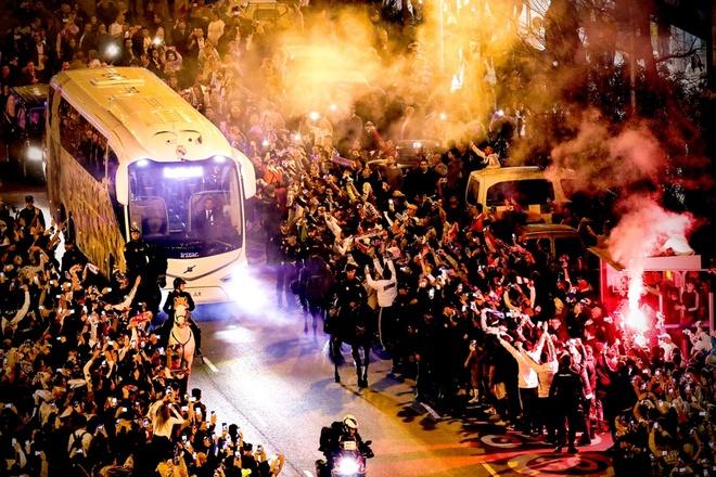 Suarez toa sang, Barca de bep Real Madrid 3-0 ngay tai Bernabeu hinh anh 4