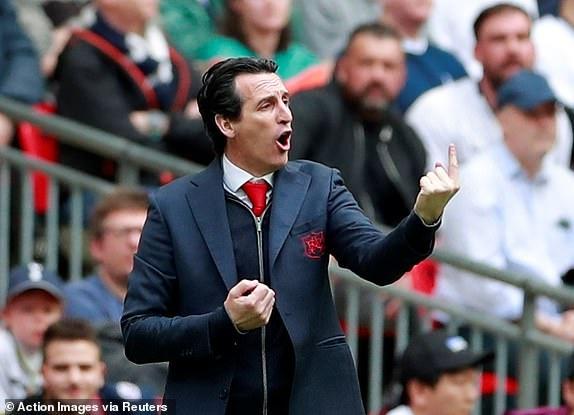 Tottenham 1-1 Arsenal: 2 qua 11 m gay tranh cai hinh anh 18