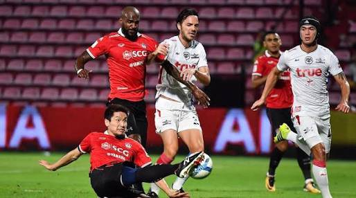 Van Lam de lot luoi, Muangthong United thua tran thu 2 lien tiep hinh anh 17