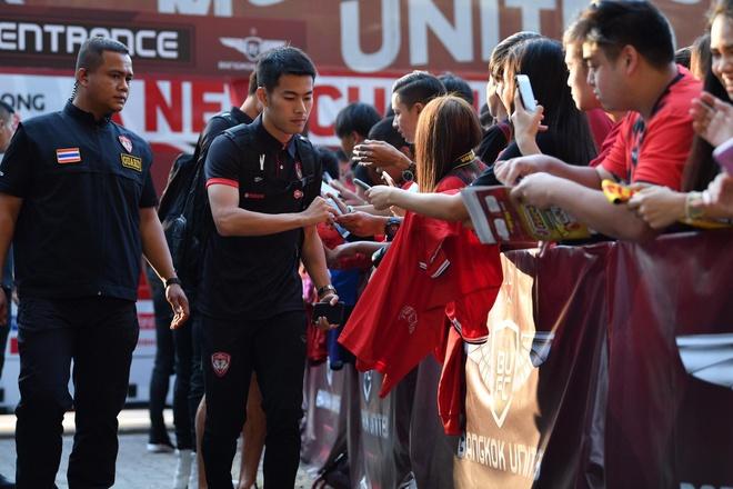 Van Lam de lot luoi, Muangthong United thua tran thu 2 lien tiep hinh anh 9