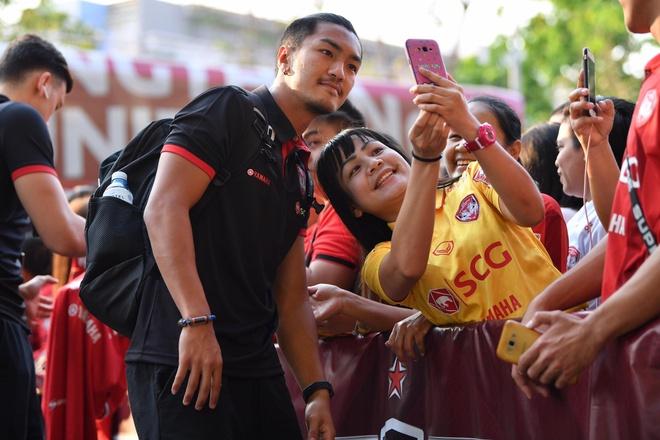 Van Lam de lot luoi, Muangthong United thua tran thu 2 lien tiep hinh anh 10