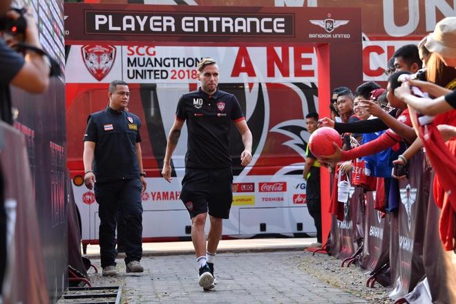 Van Lam de lot luoi, Muangthong United thua tran thu 2 lien tiep hinh anh 12
