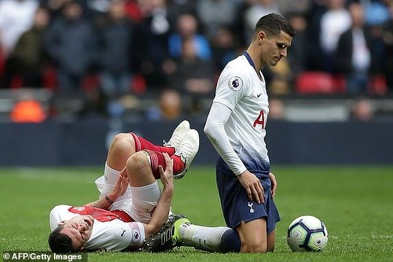 Tottenham 1-1 Arsenal: 2 qua 11 m gay tranh cai hinh anh 24