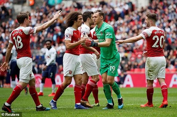 Tottenham 1-1 Arsenal: 2 qua 11 m gay tranh cai hinh anh 21