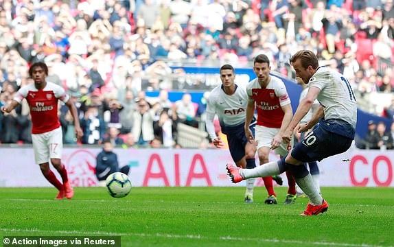 Tottenham 1-1 Arsenal: 2 qua 11 m gay tranh cai hinh anh 2