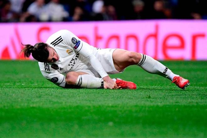 Ramos tuc gian nhin dong doi thua tham Ajax tren san nha hinh anh 10