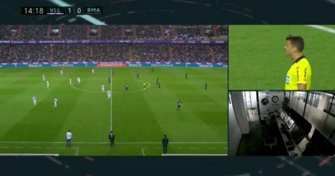 Real lien tiep thoat thua truoc Valladolid nho VAR hinh anh 1