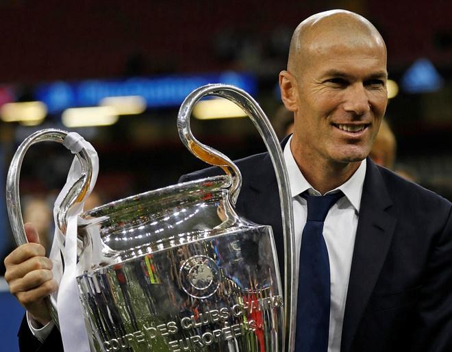 HLV Zinedine Zidane tro lai dan dat Real Madrid hinh anh 4