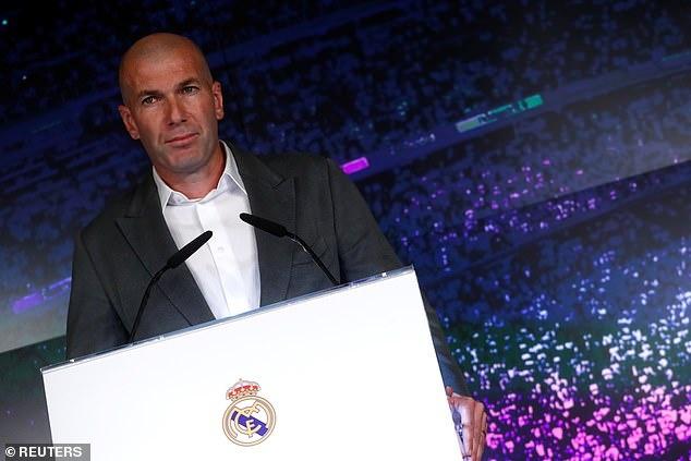 Zidane sanh dieu trong ngay tro lai Real Madrid hinh anh 1