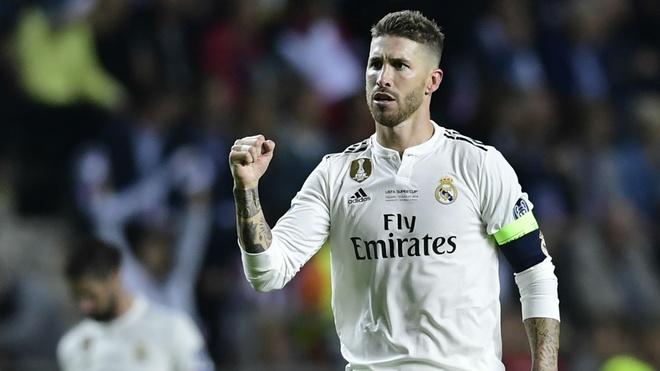 Figo tiet lo ly do phan boi Barca de toi Real Madrid hinh anh 1