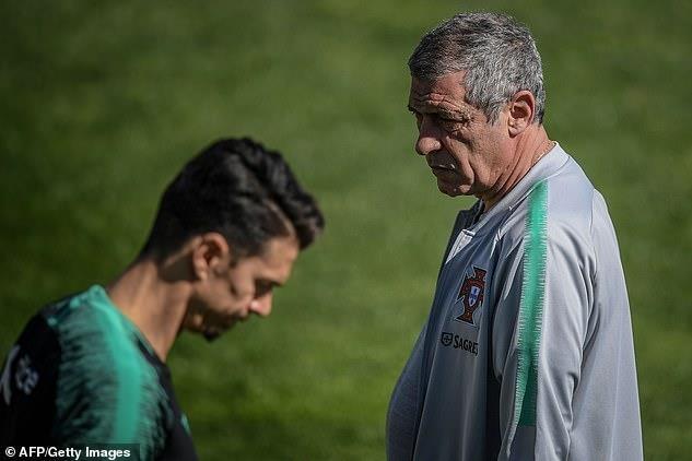 Ronaldo lan dau tro lai tuyen ke tu that bai o World Cup 2018 hinh anh 8