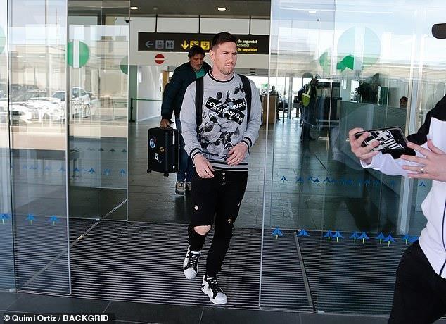 Messi tro lai Barcelona sau khi dinh chan thuong hang hinh anh 1