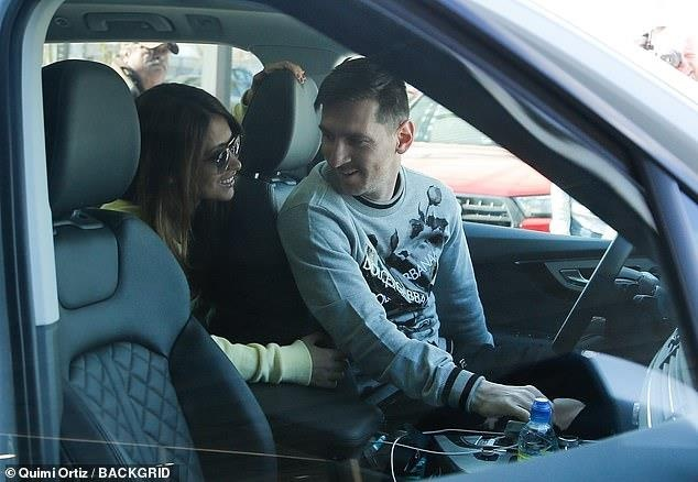 Messi tro lai Barcelona sau khi dinh chan thuong hang hinh anh 3
