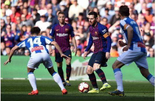 Messi toa sang giup Barca danh bai Espanyol 2-0 hinh anh 17