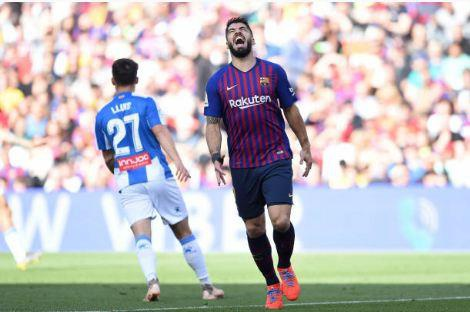 Messi toa sang giup Barca danh bai Espanyol 2-0 hinh anh 16