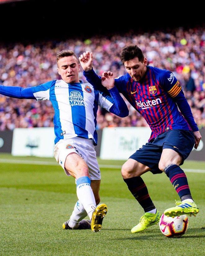 Messi toa sang giup Barca danh bai Espanyol 2-0 hinh anh 20