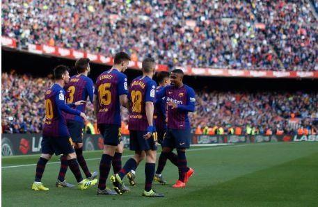 Messi toa sang giup Barca danh bai Espanyol 2-0 hinh anh 30