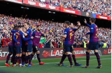 Messi toa sang giup Barca danh bai Espanyol 2-0 hinh anh 31