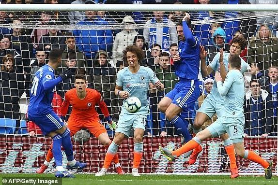 Chelsea nguoc dong ha Cardiff nho ban thang viet vi hinh anh 18