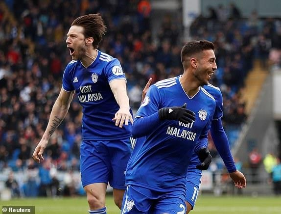 Chelsea nguoc dong ha Cardiff nho ban thang viet vi hinh anh 19