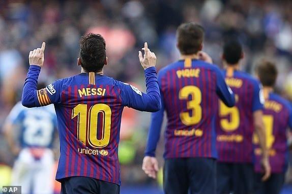 Messi toa sang giup Barca danh bai Espanyol 2-0 hinh anh 36