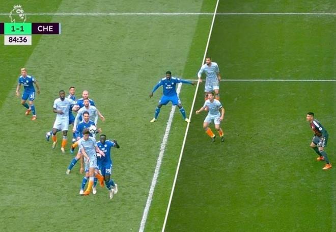 Cay cu trong tai, HLV Cardiff tuyen bo dung doi U23 da voi Man City hinh anh 1