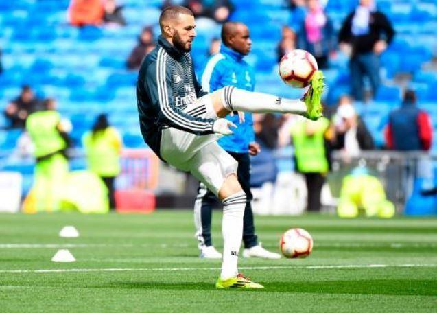 Real Madrid 2-1 Eibar: Show dien cua Benzema hinh anh 8