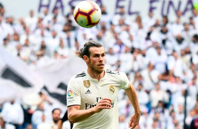 Real Madrid 2-1 Eibar: Show dien cua Benzema hinh anh 12