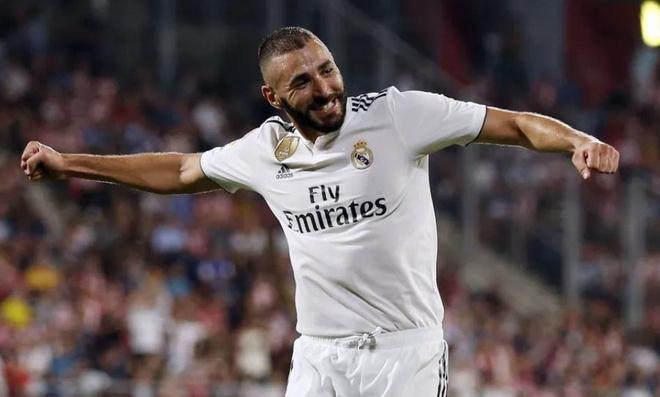 Real Madrid 2-1 Eibar: Show dien cua Benzema hinh anh 2