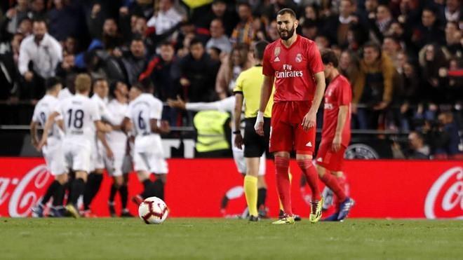 Real Madrid 2-1 Eibar: Show dien cua Benzema hinh anh 3