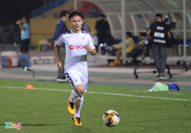 Quang Hai toa sang giup CLB Ha Noi thang dam SLNA 4-0 hinh anh 14