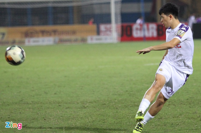 Quang Hai toa sang giup CLB Ha Noi thang dam SLNA 4-0 hinh anh 15