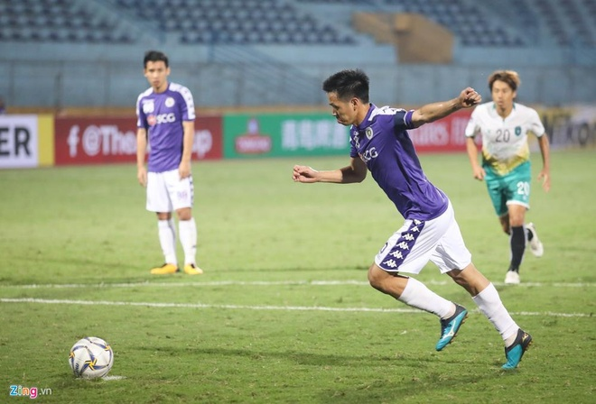 Quang Hai toa sang giup CLB Ha Noi thang dam SLNA 4-0 hinh anh 5