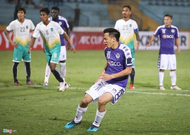 Quang Hai toa sang giup CLB Ha Noi thang dam SLNA 4-0 hinh anh 6