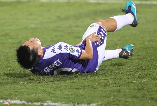 Quang Hai toa sang giup CLB Ha Noi thang dam SLNA 4-0 hinh anh 7
