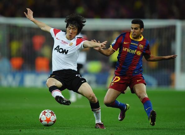 Doi hinh Man Utd bi Messi danh bai nam 2011 gio o dau? hinh anh 10