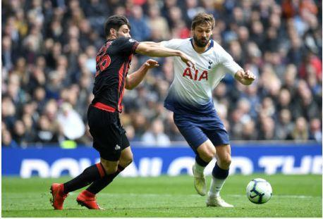 Lucas Moura lap hat-trick giup Tottenham de bep Huddersfield 4-0 hinh anh 18