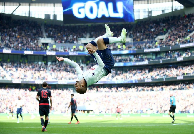 Lucas Moura lap hat-trick giup Tottenham de bep Huddersfield 4-0 hinh anh 28
