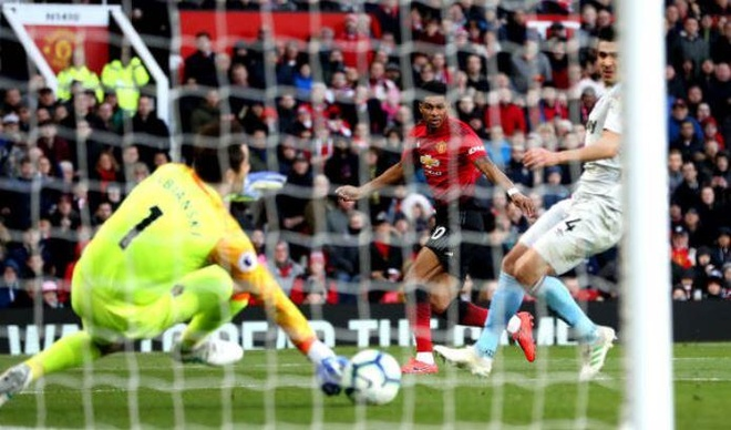 Man Utd 2-1 West Ham: Pogba lap cu dup tren cham 11 m hinh anh 25