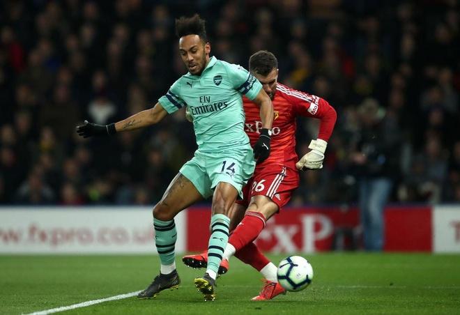 Cựu thủ môn MU mắc sai lầm giúp Arsenal trở lại top 4
