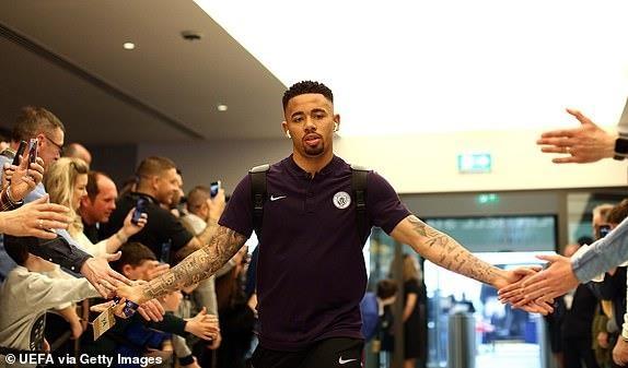 Ghi 4 ban o luot ve, Man City van phai chia tay Champions League hinh anh 11