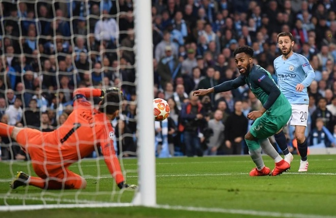 Ghi 4 ban o luot ve, Man City van phai chia tay Champions League hinh anh 17