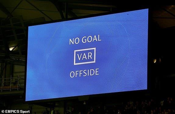 Ghi 4 ban o luot ve, Man City van phai chia tay Champions League hinh anh 30