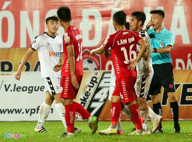 SLNA len vi tri thu 2 V.League sau tran thang Da Nang hinh anh 4
