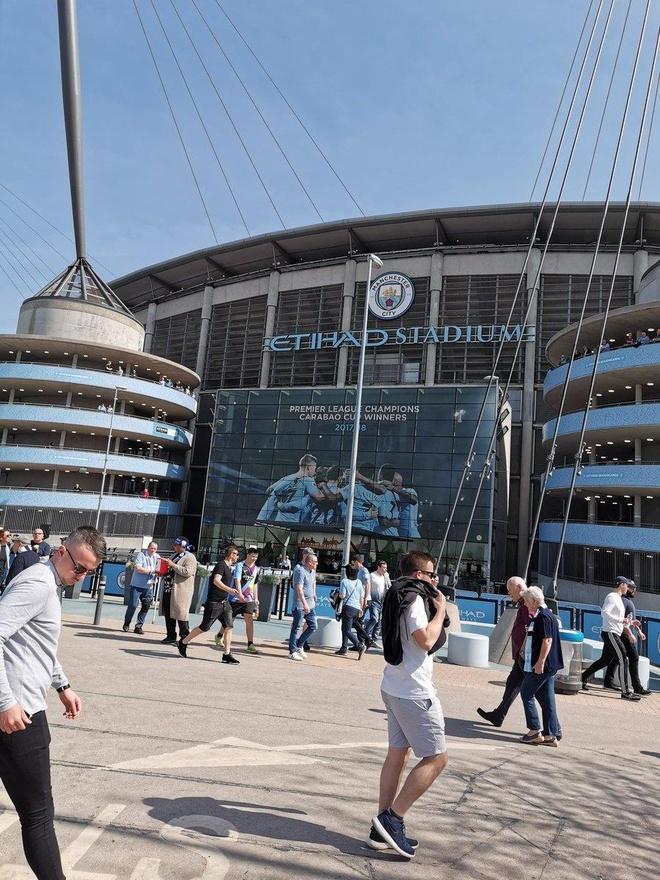 Man City tro lai ngoi dau sau chien thang truoc Tottenham hinh anh 17