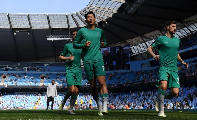 Man City tro lai ngoi dau sau chien thang truoc Tottenham hinh anh 22