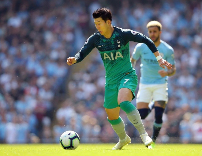 Man City tro lai ngoi dau sau chien thang truoc Tottenham hinh anh 31