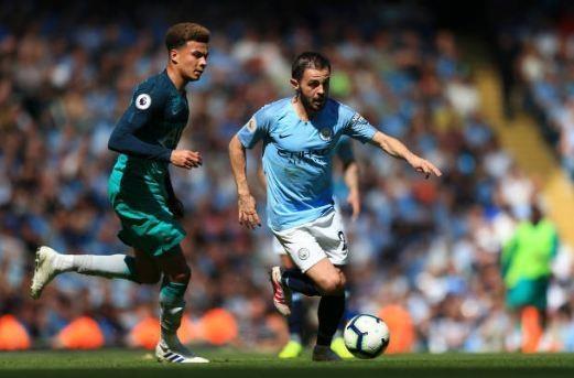 Man City tro lai ngoi dau sau chien thang truoc Tottenham hinh anh 32